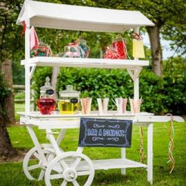 Location Candy Bar avec ses Bonbonnières
